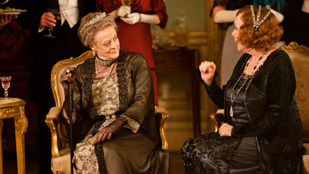 Gräfin Dowager (Maggie Smith) und Martha Levinson (Shirley Maclaine) in «Downton Abbey»