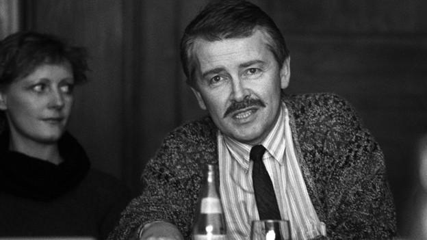 Frank Baumbauer 1988 in Basel bei der ersten Pressekonferenz