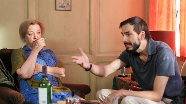 Diese Frau lässt sich nicht vom Sohnemann ins Altersheim abschieben (Sibylle Brunner, Fabian Krüger).