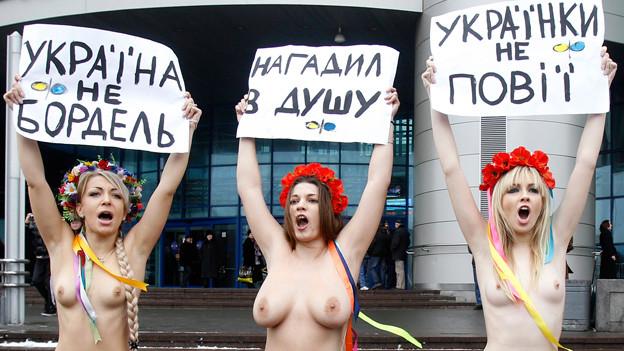 Aktivistinnen der Frauenrechtsorganisation «Femen» protestieren gegen den Ukrainischen Präsidenten Viktor Yanukovych, 2011.