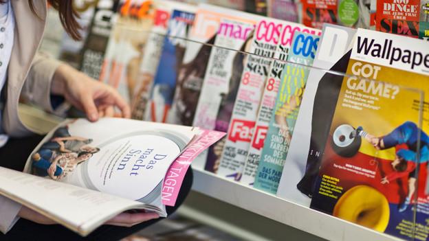 Es gibt eine grosse Auswahl an Magazinen.