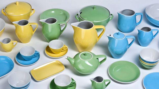 Das pastellfarbene Geschirr der Schweizer Firma Rössler ist heute gefragte Sammelware.