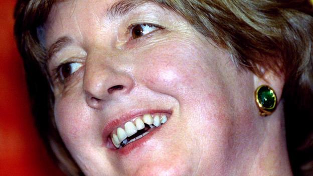 Das Bild zeigt eine Nahaufnahme der britischen Autorin Pat Barker.