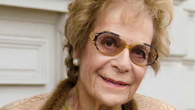 Marion Charles wurde 1927 als Marion Czarlinski in Berlin geboren. Mit einem Kindertransport floh sie 1939 nach England.