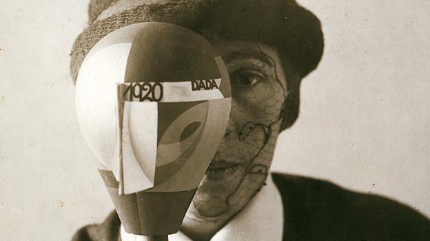 Sophie Taeuber-Arp: Porträt mit Dada-Kopf, 1920.
