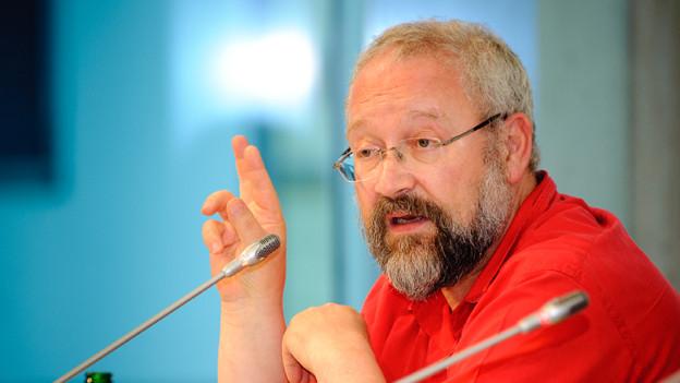 Herfried Münkler an einer Podiumsdiskussion, Juli 2010