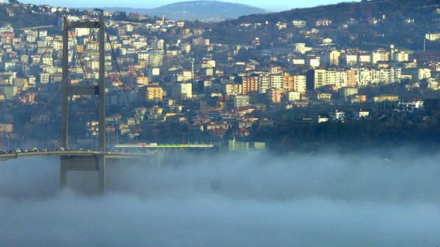 Istanbul im Nebel