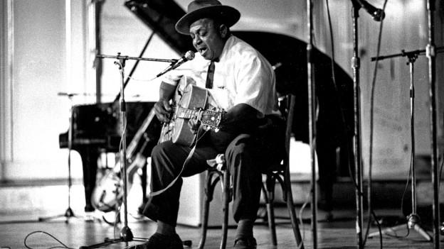 Der Blueser Big Joe Williams 1972.