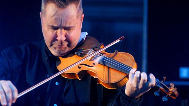 Nigel Kennedy an einem Konzert in Lublin, Polen, Dezember 2009.