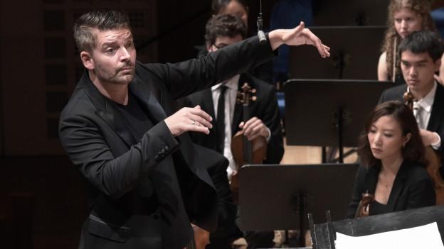 Matthias Pintscher und das Ensemble Intercontemporain.