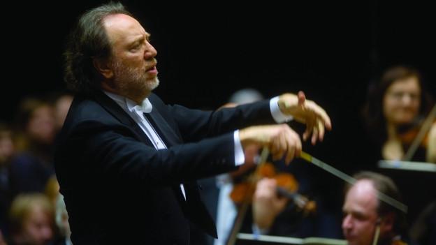 Dirigent dirigiert.