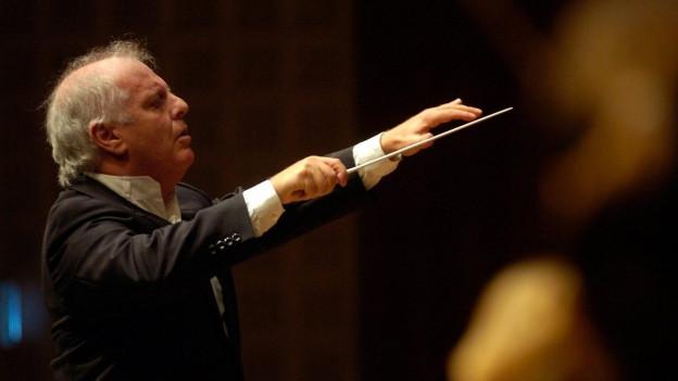 Dirigent Daniel Barenboim in Aktion.