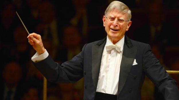 Herbert Blomstedt bei einem Konzert.