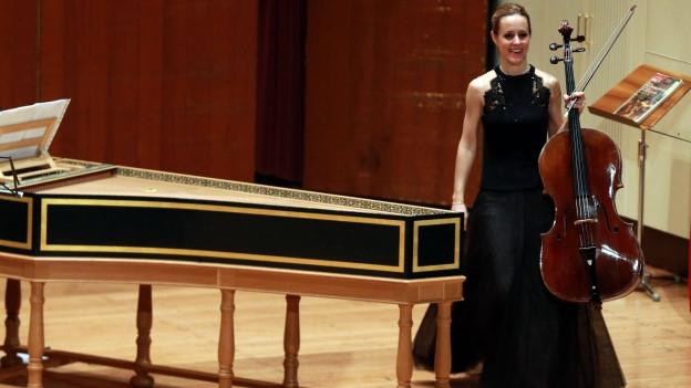 Sol Gabetta mit ihrem Violoncello