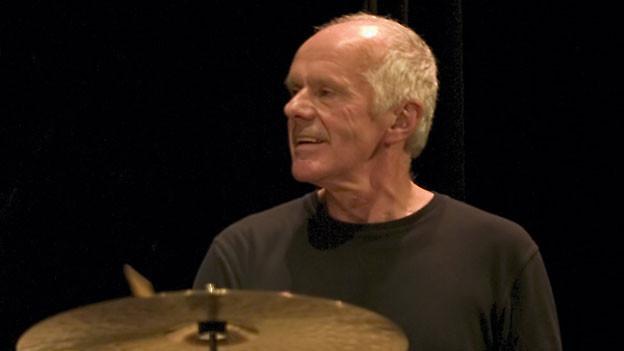 Pierre Favre am Schlagzeug