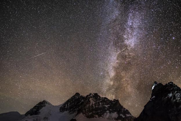 Blick in den Himmel vom Jungfraujoch.