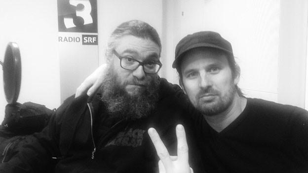 Karaoke From Hell mit Gastgeber Martin Stricker und Gitarrist Boris Müller.