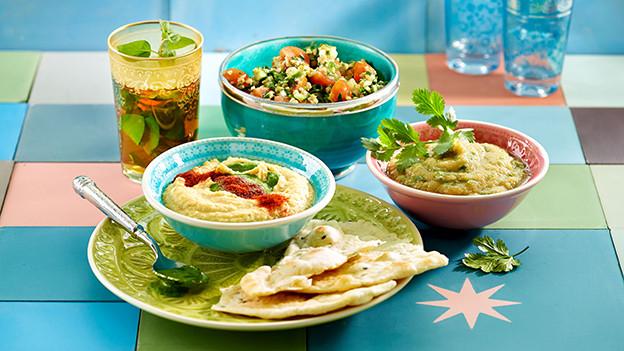 Das sind sie, die kleinen Tellerchen, gefüllt mit allerlei verheissungsvollen Köstlichkeiten.