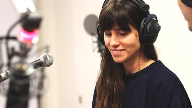 Nadine Carina im SRF 3-Studio