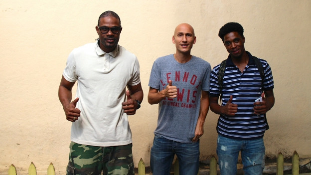 D-Major, Lukie Wyniger, Dalton Harris vor dem Penthouse Studio in Kingston