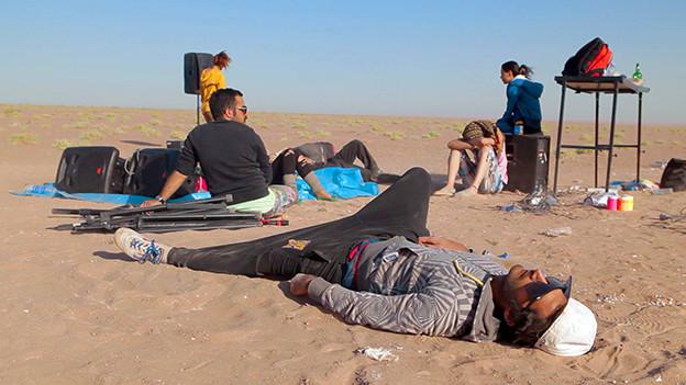 Auszug aus dem Film «Raving Iran». Die beiden DJ's Arash und Anoosh haben für ihre Leidenschaft zum Techno ihre Heimat aufgegeben.