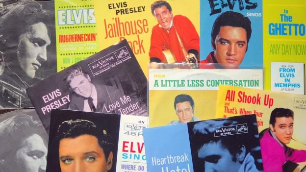 Elvis-Singles aus DJ Pesas Plattensammlung