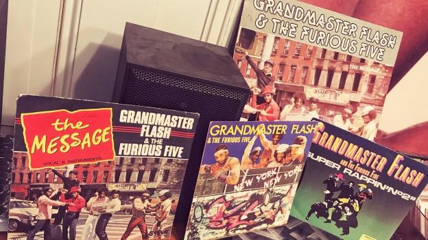 DJ Grandmaster Flash und seine Furious Five. New Yorker Oldschool-Rap von den Anfängen des Hip Hops.