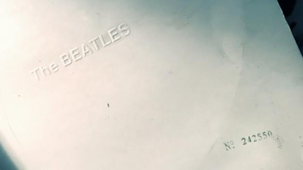 Das «White Album» der Beatles mit der Nummer 242550 aus der Sammlung von DJ Pesa