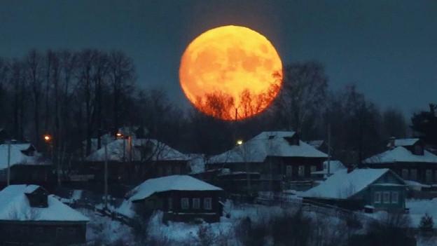 Blutmond, Vollmond, Halbmond, Leermond usw. Der Mond fasziniert die Menscheit und die Popwelt.