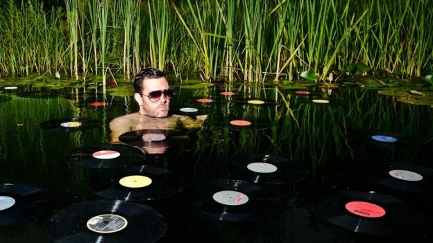Bei diesen Temperaturen hilft nur ein erfrischendes Platten-Bad.