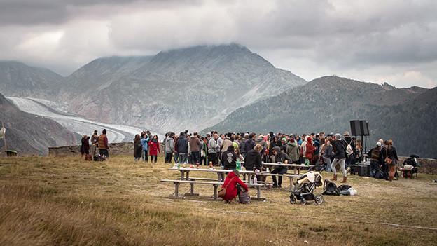 Herbsttanz von El Azra beim Aletschgletscher