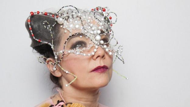 Björk: Auf dem neuen Album mit Blockflöte