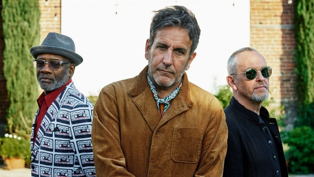 Terry Hall (m.), Lynval Golding (l.) und Horace Panter sind The Specials 2019.