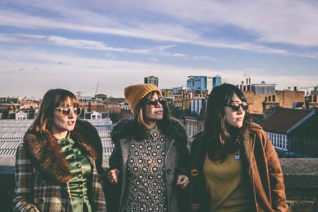 Sie wollen doch nur spielen: Abjects vereinen Freude mit rohem Punch auf der Debüt LP «Never Give Up»