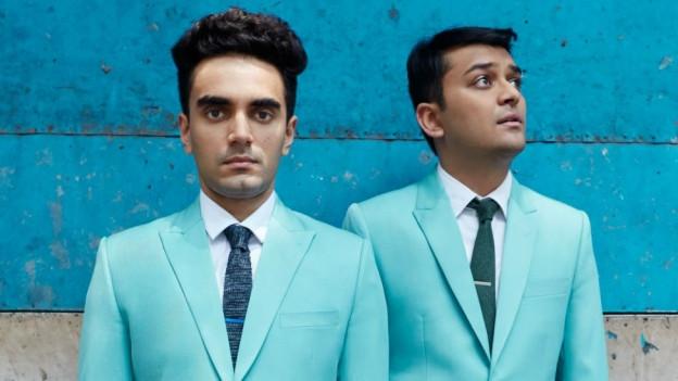 Parekh And Singh: Hier in hellblau