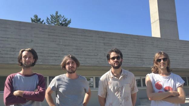 Auf Schweizbesuch: Mr. Ray um Jari «Antti» Altermatt (r.) und Pablo Thiermann (2.v.l.) mit dem Debütalbum «Interior.»
