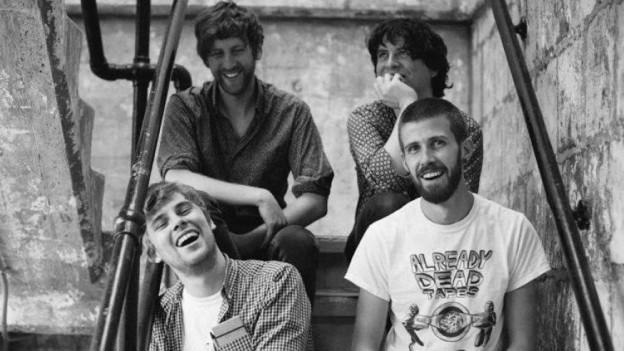 Waren nach dem Debüt «Holding Hands With Jamie» 4 Jahre weg - und jetzt heftigst wieder da: Girl Band