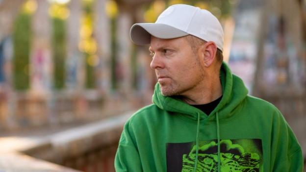 Seit den 90ern eine Ikone an den Turntables: Joshua Paul Davis alias DJ Shadow.