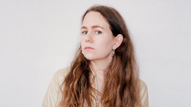 Hat sich Zeit gelassen: Mit 32 Jahren, 7 Jahre nach ihrer ersten EP bringt Alice Boman das Debüt.