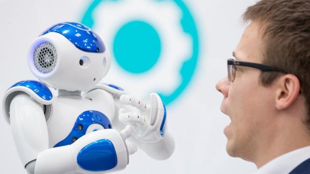 Der Mensch wird zum Roboter.