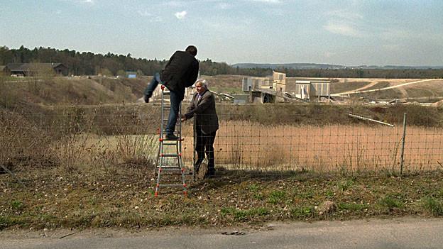 Ist diese Kiesgrube der sicherste Ort der Erde? Kaum, wenn eine Leiter zum Eindringen reicht.