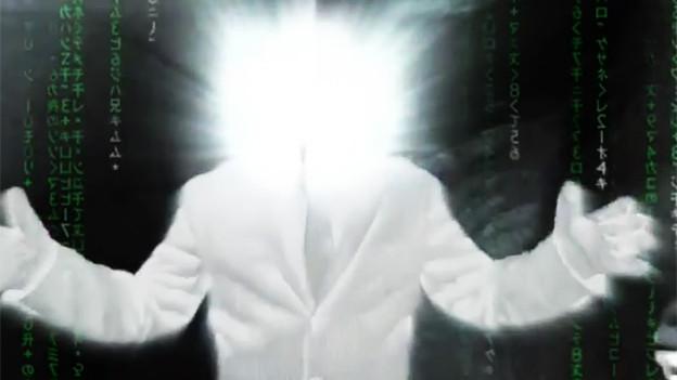 Screenshot aus dem YouTube-Video: Mann in Anzug ohne erkennbares Gesicht