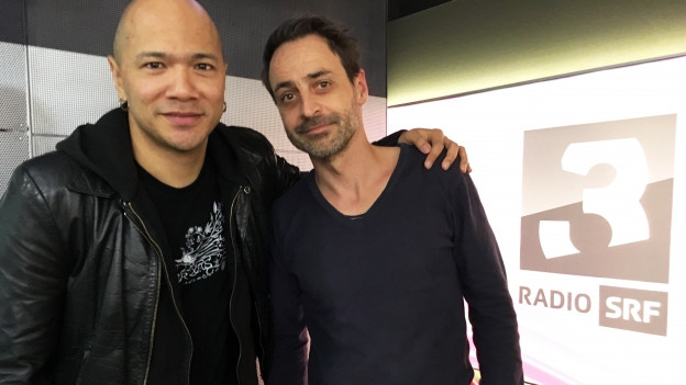 Danko Jones mit Dominic Dillier im Studio
