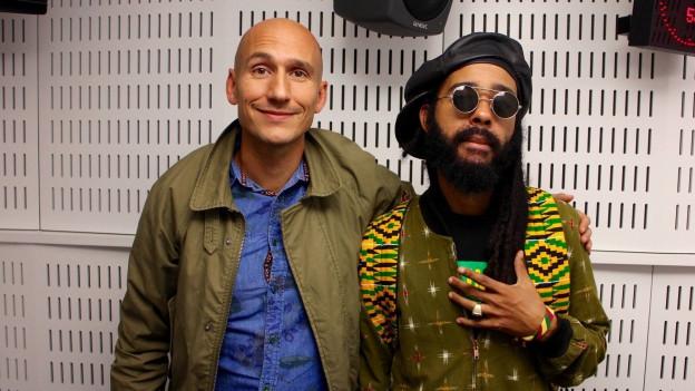 Reggae Special Macher Lukie Wyniger posiert mit Protoje