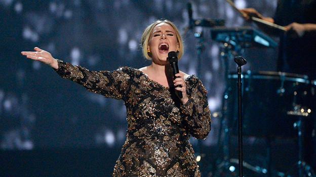 Adele bei einem Auftritt