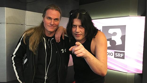Gitarrist Thomas Muster und Sänger Mark Fox bei SRF 3