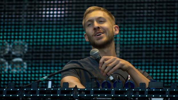 Calvin Harris und das Mikrofon mögen sich wieder