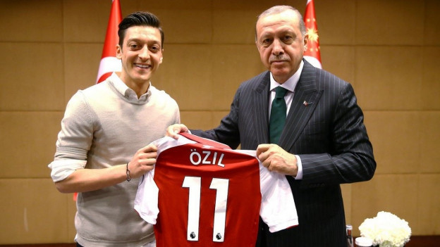 Özil (links) bei Erdogan.