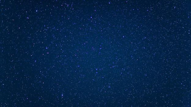 Der «echte» Sternenhimmel, Blick von der Monte-Rosa-Huette bei Zermatt im Kanton Wallis.