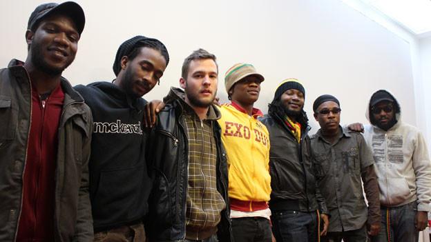 «Raging Fyah» mit dem Schweizer Reggae Sänger Elijah zu Besuch im Studio von SRF 3.